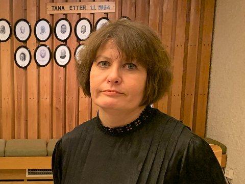 MISTER IKKE ALT: Helga Pedersen forteller at Tana kommune uansett ligger an til å få tilbake noe av pengene de skal ha blitt svindlet for.