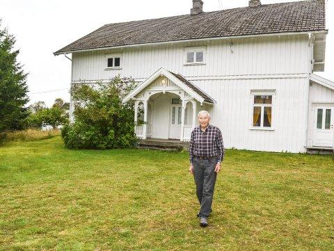 Gavmild: Tore Østby i Østby bedehusforening i Søndre Høland gir bort 1,35 millioner kroner. Foto: Anne nger Mjåland