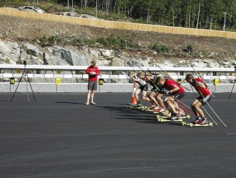 FULL FART: Det blir action når Gautefall Biathlon er vert for NM i 2018. Arkivfoto: Nils J. Sætre