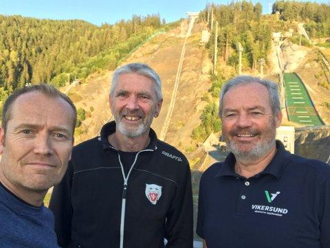 NY JOBB: Svein Graff (t.v.) er ansatt som kommunikasjonssjef for VM i skiflyging i 2022. Her sammen med Ole Gunnar Fidjestøl og Per Bergerud.