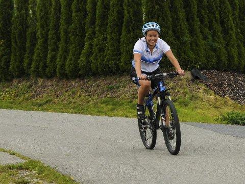 Sprek ordførerkandidat: Gunn Cecilie Ringdal setter seg på sykkelsetet kl. 11.00 lørdag på Øverskogen, og skal sykle seg gjennom hele Lier.