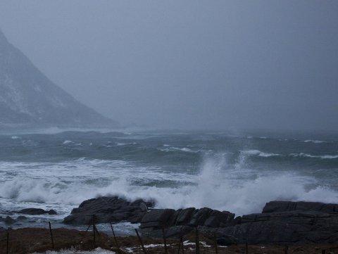Mye vær: Det skal blåse godt i Lofoten i helga. Lørdag er det ventet full storm