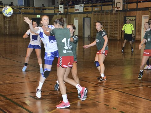 GOD: Ingrid Lauritsen spilte en god kamp da Leknes banket Bardu 34-31. Arkivfoto: Eirik Eidissen