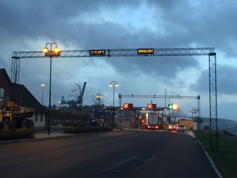 STENGT: Klokken 19:30 innstilte Bastø Fosen alle sine avganger på grunn av dårlige værforhold.