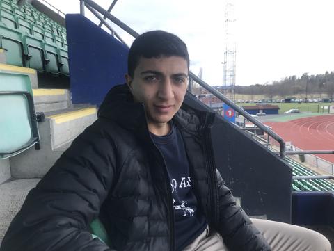 Kasim Vural er fra Kolstad, men har større ambisjoner enn Huseby Idrettspark. Her under et møte med Nidaros på Nadderud.