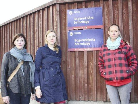 PÅ BARRIKADENE: Marianne Egerdal, Gry Veiby og Desirée Modahl mener foreldrene ikke har blitt hørt i saken. FOTO: UNA O. OLTEDAL