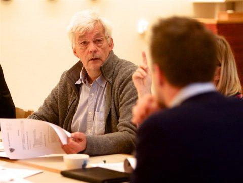 Rådmann Frank Pedersen i Kvænangen er i hardt vær. Kontrollutvalget vil be kommunestyret rydde opp. Rådmannen har ikke svart på henvendelser fra kontrollorganet siden juli 2015. Foto: Ola Solvang