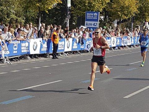 Kristian Ulriksen løp inn til sin nest beste tid på maratondistansen under Berlin Maraton søndag. Foto: Sveinung Karlsen
