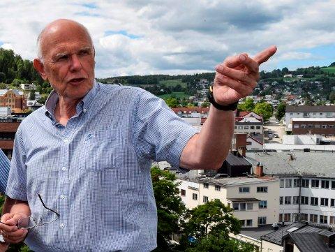 MELDER SEG PÅ: - Vi melder oss på, men er avventende til hva en etablering av et hyperscale datasenter kan innebære for Gjøvik, sier ordfører Bjørn Iddberg.