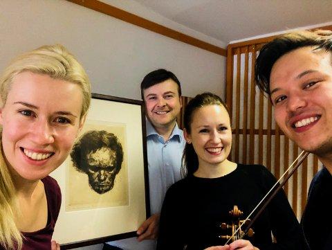 VARMER OPP: Eldbjørg Hemsing, Tor Espen Aspaas, Ragnhild Hemsing og Dorran Alibaud, med selveste Beethoven i midten, har forlengst begynt å forberede seg til vinterens Hemsingfestival.
