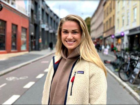 Om et par dager er boka til Kristiane Aateigen fra Lillehammer på plass i bokhyllene. Hun gleder seg veldig mye.