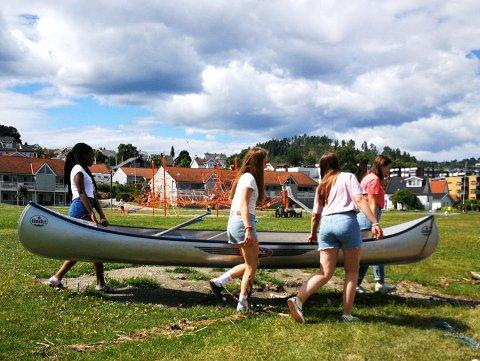 VELLYKKET: Vitensenteret og DNT Gjøvik og omegn samarbeidet om «sommerchill» i Fredvika i fjor sommer. Tilbudet var populært.