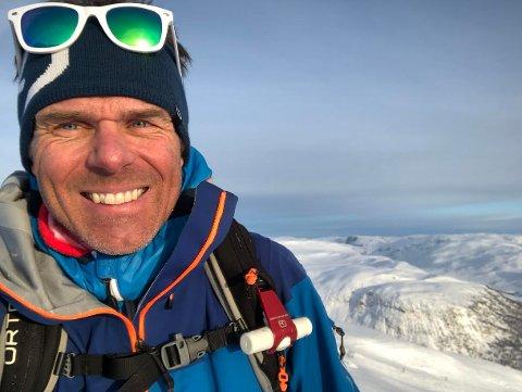 TOPPTRENT: Toppturer og skikjøring er Kjetils lidenskap. At en topptrent 47-åring fikk hjertestans, er ufattelig. Det syns han selv også.