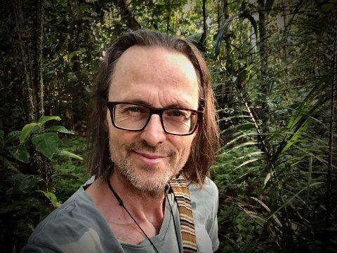 TAR OSS MED: Torgeir Wittersø Skancke dro i sjamanens fotspor inn i Amazonas med mobilen som filmkamera. Nå inviterer han oss med på reisen.