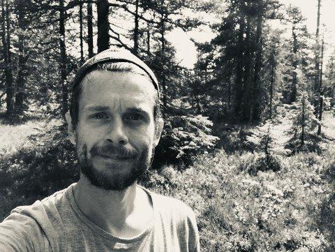 VIL BIDRA: – Da jeg presenterte ideen min for Jonas var det jo med tanken om at erfaringene mine, skal brukes til noe bra, sier Petter Hobæk-Johnsen.