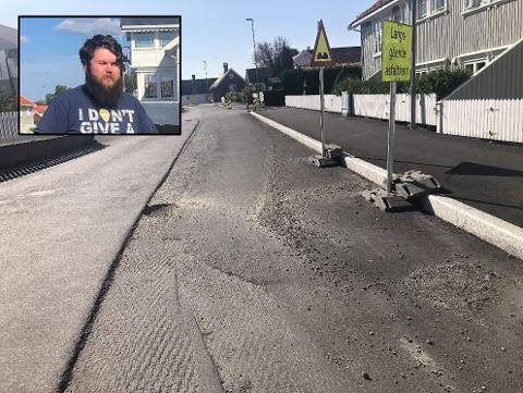 OPPGITT: Lars Skalstad er ikke fornøyd med hvordan gata i Helgeroa ser ut.