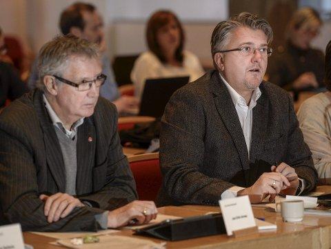Forskjellig inndekning: Jan Erik Arnøy (A) og Espen Haaland (H) er slett ikke enige om hvilken medisin som skal skrives ut for å få økonomien i Rana kommune på rett kjøl. Foto: Øyvind Bratt