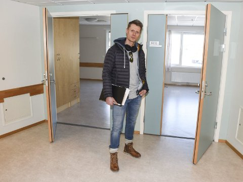 Kapasitet: Helgelandssykehuset øker kapasiteten med 26 pasientrom når vi tar i bruk fløyen i gamle Selfors sykehjem, forteller prosjektleder ved Drift og Eiendom i Helgelandssykehuset, Trond Nilsen. Foto: Arne Forbord