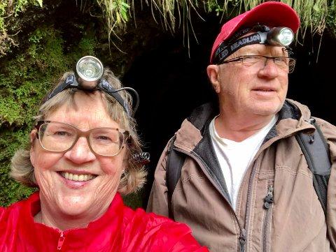 UT PÅ TUR: Turid Brekke Flaten og Ole Martin Flaten hygger seg på levadatur på Madeira. En Levada er egentlig en vanningskanal, men er også populær til gåturer. Paret fra Åsa har mange turer i levadaene.