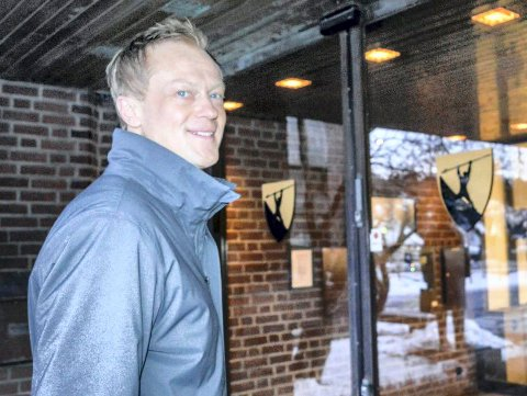 AVSLUTNING: Stabssjef for økonomi og analyse, Øyvind Wøllo, setter punktum med en hyggelig avslutning på Hotel Wassilioff i Stavern.