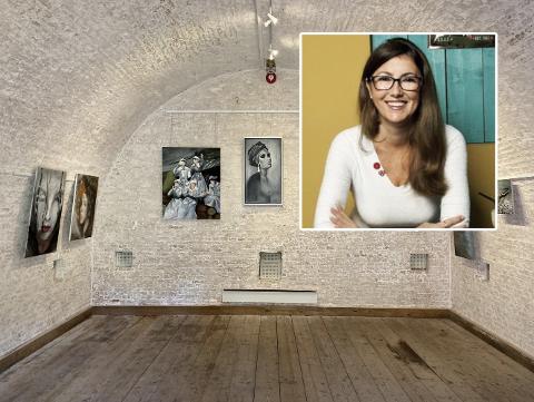 Billedkunstneren Anita Miric bor og arbeider i Sandefjord. Nå aksjonerer hun bort bildet «Sanitetskvinner», som er ett blant flere av maleriene hennes som nå stilles ut i Krutthuset i Stavern.