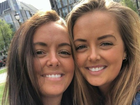 SAMMEN I TYKT OG TYNT: Caroline (t.v) og Camilla Dahle Lie har støttet hverandre gjennom både sykdom og gode tider i livet.