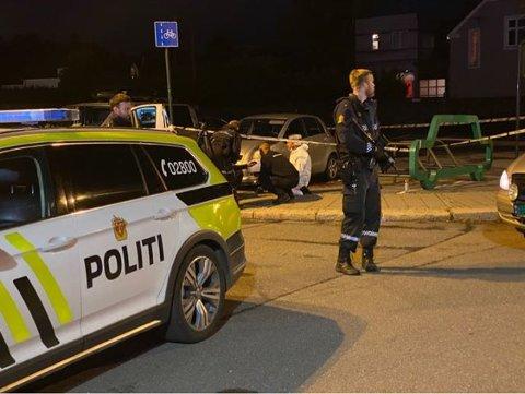 Krimteknikere ved drapsåstedet i Korsgata. Det var her 54 år gamle Marianne  Haugen ble stukket ihjel.