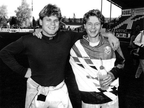 MED PÅ LAGET: Keeper Erik Holtan har fått plass på Jørn Karlsruds drømmelag. Her avbildet sammen.