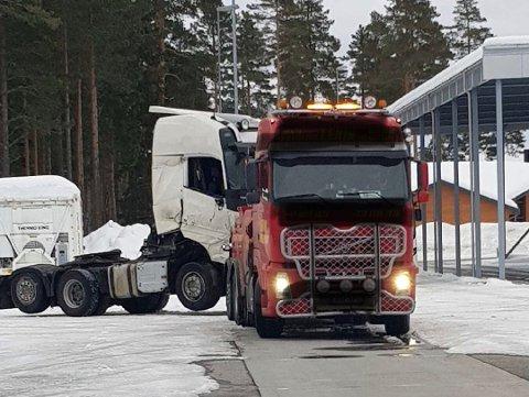 STANSET: Bildet ble tatt da kjøretøyet ble stoppet i mars 2018. Det har blitt stanset fem ganger til etter det. Foto: Statens vegvesen Region Øst