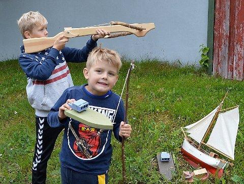 Syver og Einar prøvekjører «hardbust» og «flatjekt».