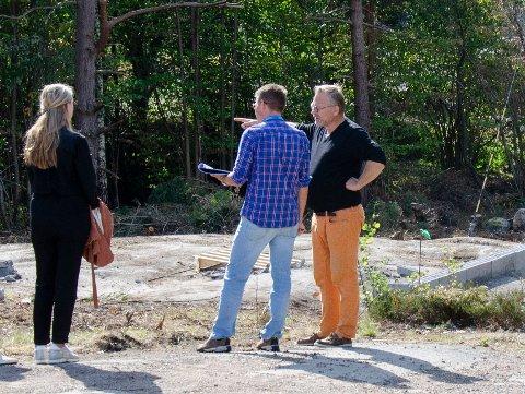TILSYN: I slutten av august var Færder kommune på tilsyn i Neholmveien 67 etter melding om ulovlige byggearbeider. Tilsynet endte med at kommunen krevde full stopp i arbeidene på tomta.
