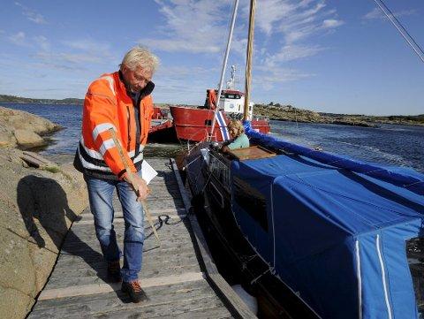 """HÅPER: """"Skjærgårdstjenesten I"""" skal fortsatt gjøre nytten i mange år til, men Øystein Hovde håper å kunne bytte ut den andre, mindre båten med en ny i løpet av et år eller to."""