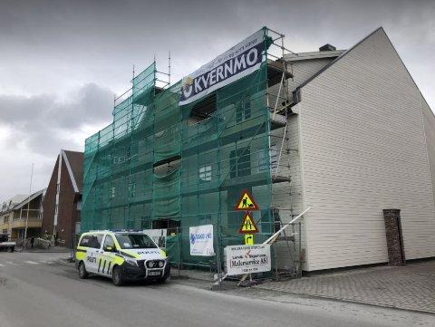 INNBRUDD: Politiet gjorde fredag morgen undersøkelser på en byggeplass i Levanger, hvor det har vært innbrudd natt til fredag.