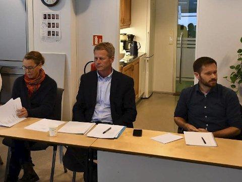 Xtra-lista: Gikk til valg på å beholde dagens skolestruktur, og fikk fire representanter inn i kommunestyret. Her er tre av dem. Fv Tove Hage Aargaard, Knut Aall og Jan Roger Ekedal. Steinar Thorsen er den fjerde. Arkivfoto