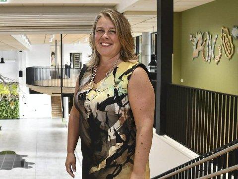Slutter: Line Marie Poppe var rektor på Tvedestrand videregående skolen fram til den nye skolen ble innviet i august i fjor. Siden har hun hatt permisjon, men nå blir hun fast ansatt i en lederstilling i Agder fylkeskommune.Arkivfoto
