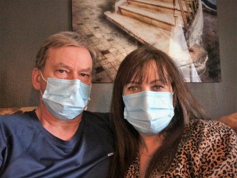 Smitta: Kåre Kompelien og samboer Nina Johannessen er begge smitta av korona, på tross av at de har utført den største forsiktighet, med blant annet bruk av munnbind.
