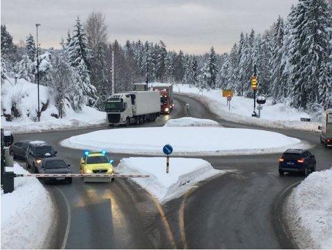 Oslofjordtunnelen er stengt etter en front-mot-front-ulykke onsdag morgen. Foto: Steinar Knudsen