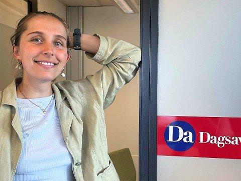 Nesoddingen Thale Engelsen (22) har fått fast jobb som journalist i Dagsavisen, og skal blant annet dekke høstens valg.