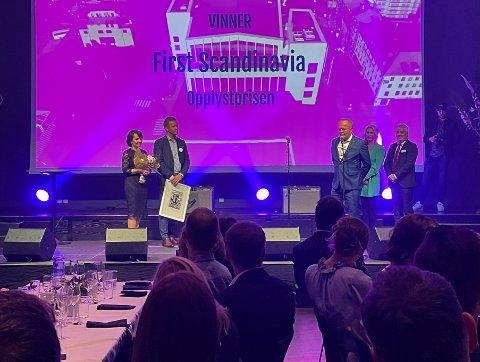 Festaften: Det ble en innholdsrik kveld for årets vinner av Opplystprisen, for ikke nok med. De stakk også av gårde med en pris til under utdelingen i Bodø.