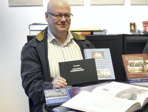 Jostein Sørensen har flere buekorpsbøker på samvittigheten, men den om hans egen kjære Fjeldets Bataljon er fortsatt ikke ferdig. (Foto: TOM R. HJERTHOLM)