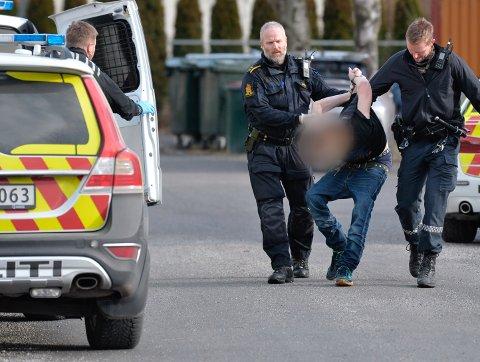 PÅGREPET: En mann ble pågrepet etter en nabokrangel på Åssiden i mars i fjor. Blant annet skulle det være tømt et brannslukningsapparat i en leilighet.