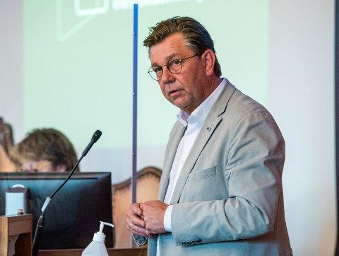 HODERYSTENDE: Fredrik Haaning forstår ikke kjøpet av Nordby gård, og mener det var forretningsmessig svakt hvilken måte dette ble gjort på. Dette bildet er tatt fra et tidligere møte i formannskapet.