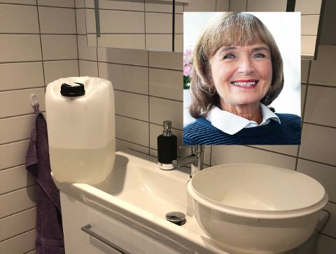 FROSSET: Vasking av hender foregår i balje istedenfor i springen hjemme hos Ulla Nævestad.