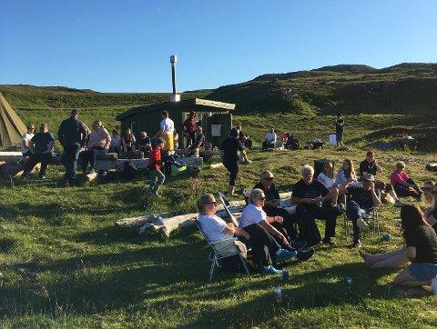 FESTIVALHYGGE: Det var godt oppmøte og god stemning da Mefjordfestivalen ble en virkelighet.