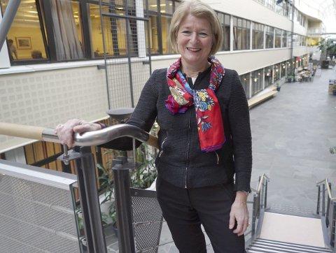 Rektor: Anne Husebekk ved UiT forteller at de nå har innført en ordning med egne telefoner og PC'er som skal brukes på tur til Kina og Russland. Foto: Fritz Hansen