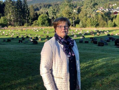 LANG FARTSTID: Marit Hegli fra Bjørgseter har jobbet i Kirken i Lunner i snart 30 år. Hun gleder seg til en ny sjef er på plass en gang på nyåret.