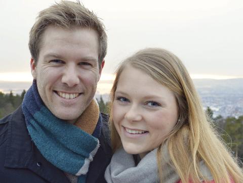 GLEDER SEG: Presteekteparet Maria Dale Ljosland og Lars Torjus Ljosland ser fram til å begynne som sogneprester i henholdsvis Gamvik og Lebesby 1. august.Foto: Privat