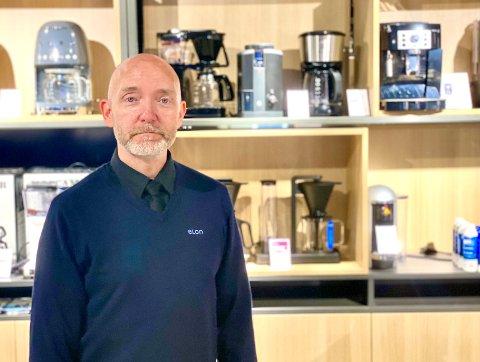 ELEKTROFORHANDLER: Etter nesten seks år som møbelselger, vender nå Rune Heitmann tilbake til røttene sine som elektroforhandler.
