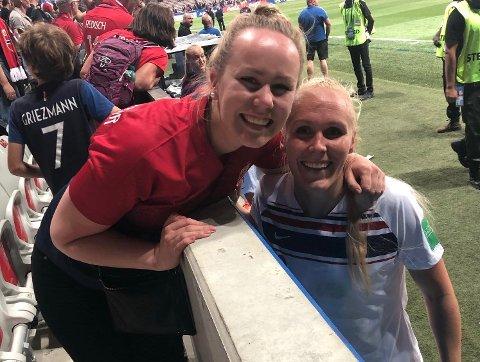 STØTTE: Sunniva Thorisdottir synes det var spennende å sitte på tribunen for å se Maria i aksjon på matta. – Jeg kan ikke noe om fotball, men kan aldri huske jeg har vært så engasjert på en kamp, sier hun.