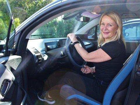 Britt Fossum fra Nordstrand representerer partiet FNB i Oslo bystyre. De ber nå om tiltak for å gjøre det billigere å bruke bilen mens koronaepidemien pågår.